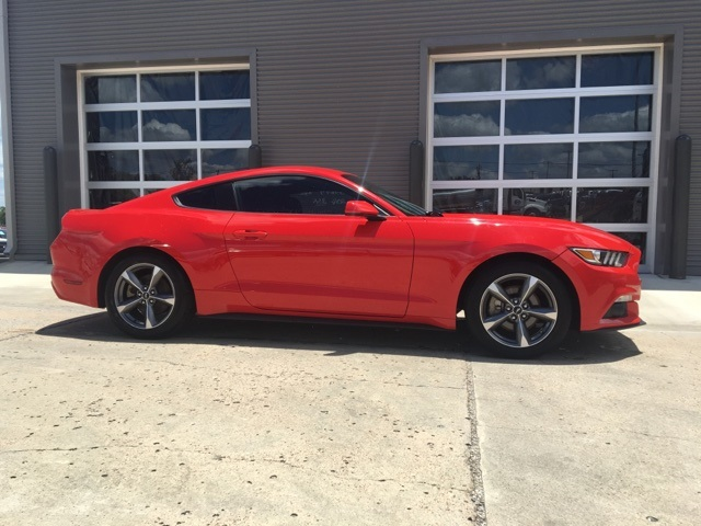 Certified Pre-Owned 2016 Ford Mustang V6