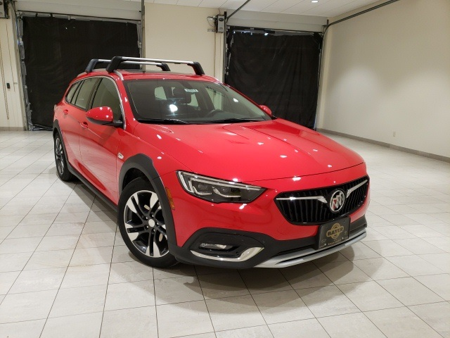 Certified Pre-Owned 2018 Buick Regal TourX Essence