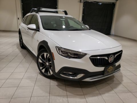 New 2018 Buick Regal TourX Essence